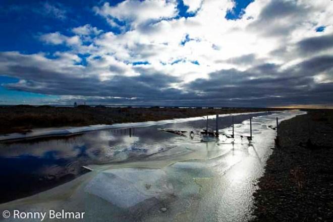 Ríos congelados hacen aún mas poética la lectura de esta isla