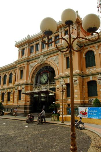 Oficina Central de Correos (Buu Dien), Ho Chi Minh © Jaume Canet