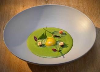 La típica salsa verde de Hesse Relais & Châteaux Hotel Die Sonne Frankenberg