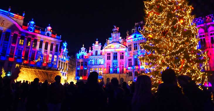 Grand Place de Bruselas iluminada. Foto Marta Pintus.