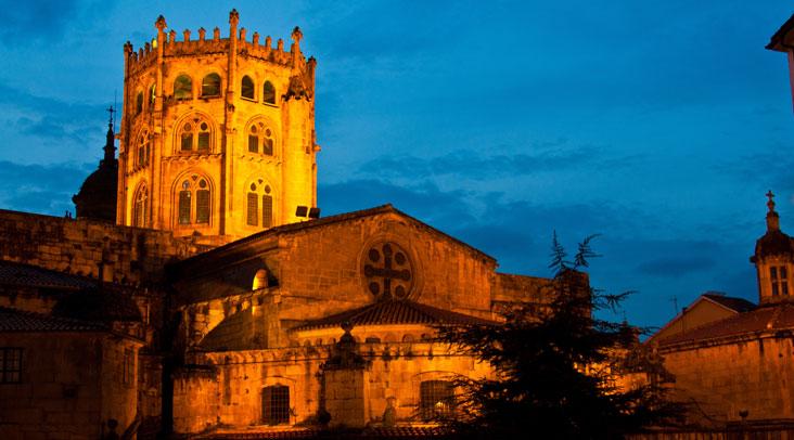 Catedral de San Martiño con cimborrio. Foto Turismo de Ourense.