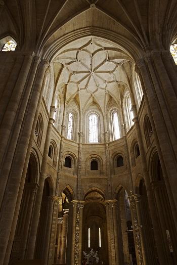 Nave central de la catedral de Santo Domingo de la Calzada. Foto La Rioja Turismo.