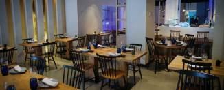 Salón interior restaurante Shibui