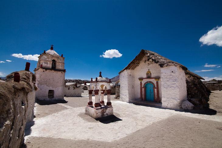 Pueblo de Parinacota © Ronny Belmar