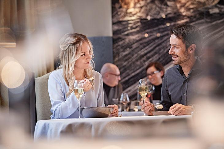 Buena comida en el restaurante Posthotel, Alexander Herrmann. GNTB/photographer: Jens Wegener