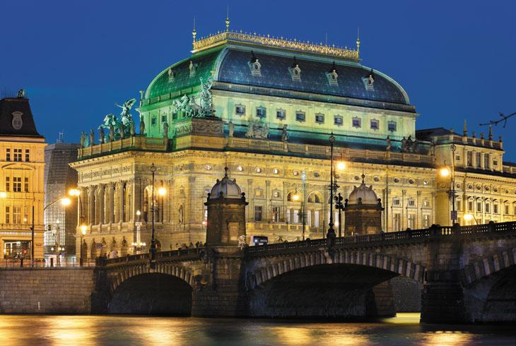 Teatro Nacional de Praga @Libor Svácek