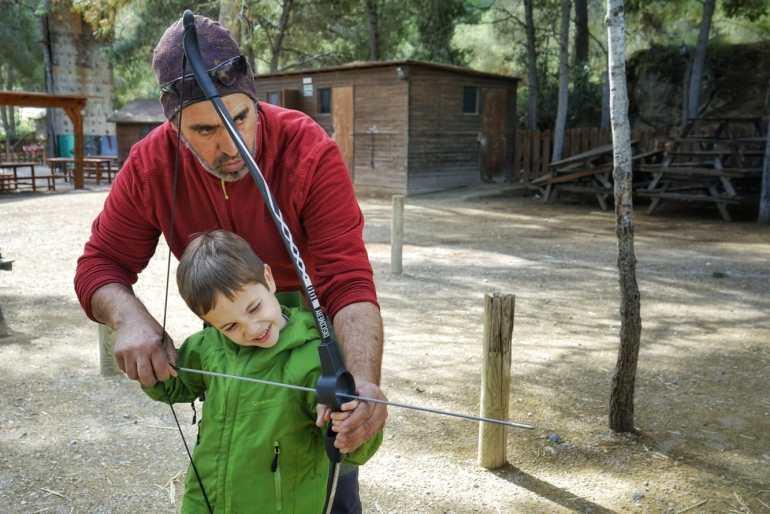 En El Valle, Centro Ecuestre de Educación Ambiental que ubicado dentro del Parque Regional de El Valle, se realizan muchas actividades al aire libre.