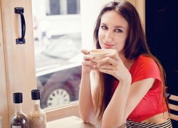 7 Signs That Indicates She Is Approachable
