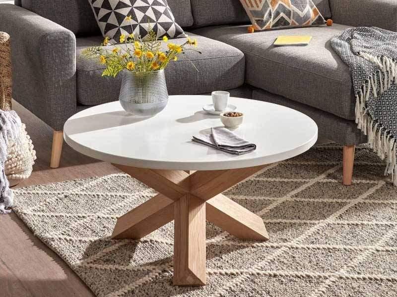 table basse ronde nori de style nordique en blanc et bois