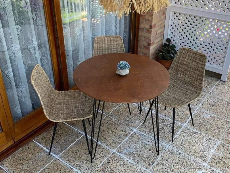 table ronde fixe pour terrasse ou veranda aixi avec pieds en metal