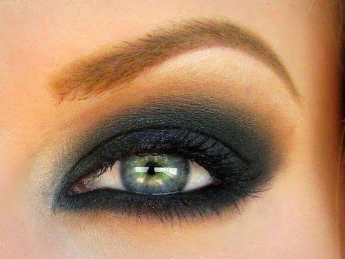 C mo maquillarse los ojos verdes tus secretos de belleza for Como pintarse los ojos de negro