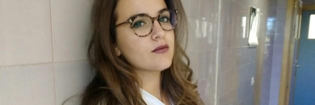 NO SONRÍA A LA CÁMARA, por Rocío Amador Pertíñez.