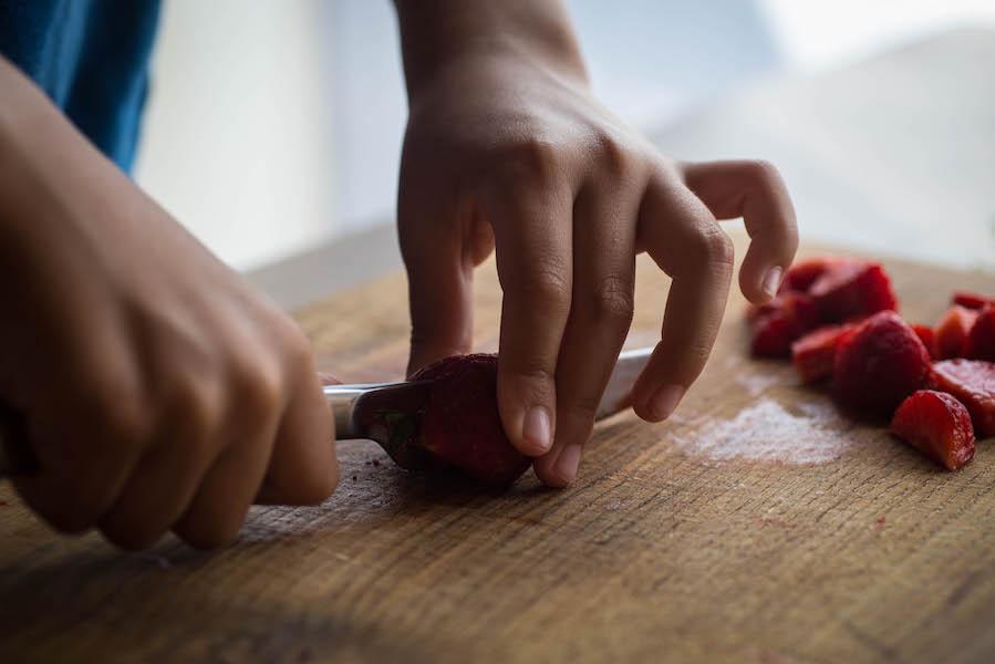 09couper-fraises