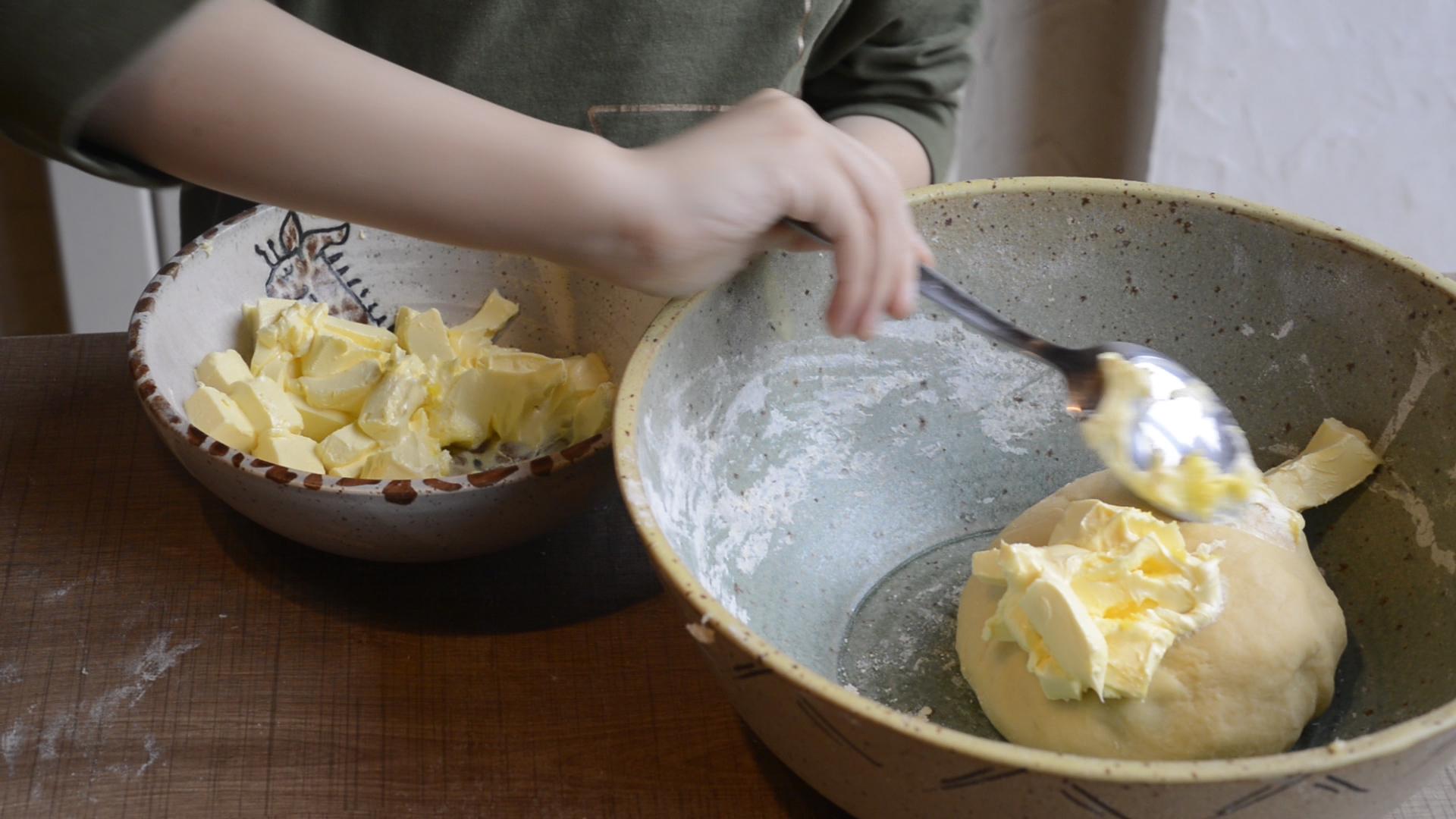 ajoute-beurre-brioche