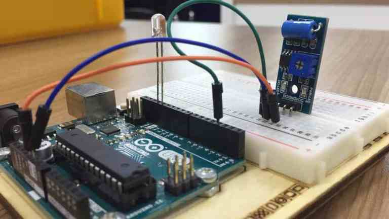 Getting Started with Vibration Sensor Module (Normally Off) (SN-VIBRATE-MOD)