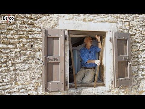 Poser une moustiquaire sur une fenêtre – Tuto brico avec Robert