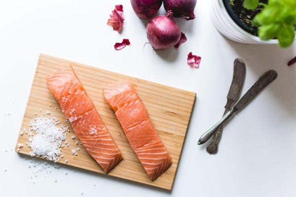 salmone pesce salmon healthy cibo sano organizzazione pasti settimanale