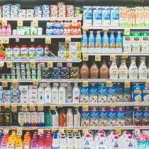 supermercato scaffali prodotti spesa in 10 minuti