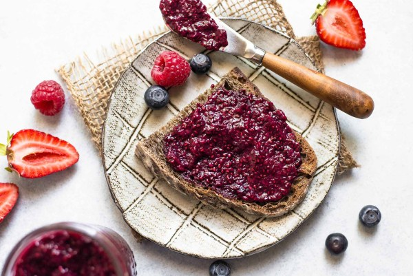chia jam marmellata composta semi healthy riciclare frutta troppo matura