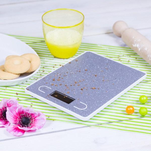 bilancia elettronica alimenti kasanova cucina sana macronutrienti