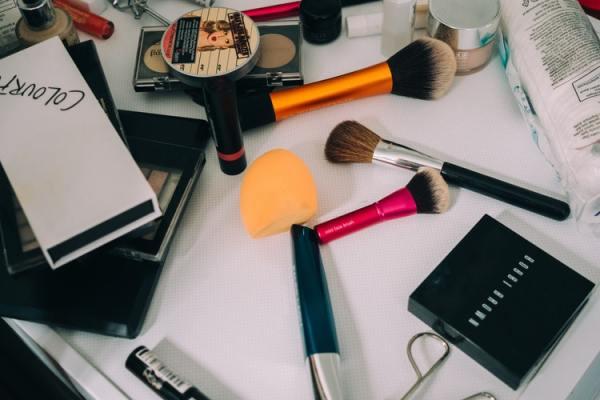 Organizzare il make up con poco spazio