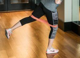 Esercizi lower body con elastici