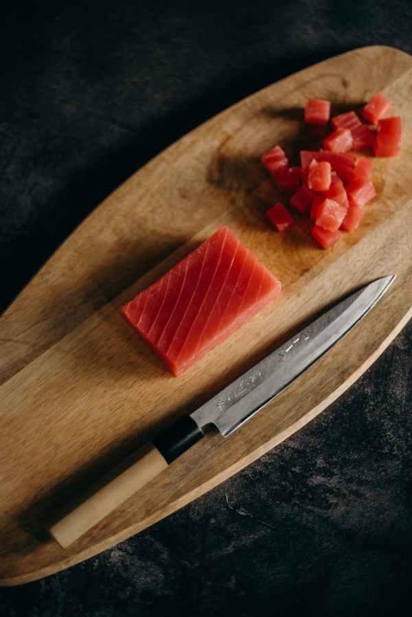 tonno crudo dieta pelle sana bella alimenti niacina