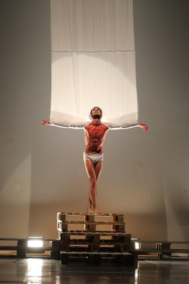 """""""La Passione"""". © Ph. Carla Moro e Aurelio Dessì - Balletto di Milano."""