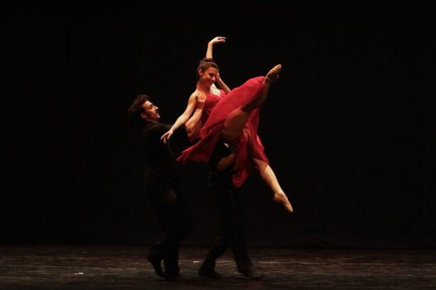 """""""La vie en rose...Bolero"""". © Ph. Carla Moro e Aurelio Dessì - Balletto di Milano."""