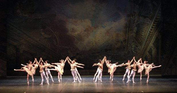 """Il Corpo di Ballo in """"Sogno di una notte di mezza estate"""". © Ph. Brescia e Amisano, Teatro alla Scala"""