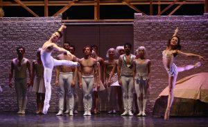 """Balletto di Milano in """"Romeo e Giulietta"""". © Ph. Carla Moro e Aurelio Dessì."""