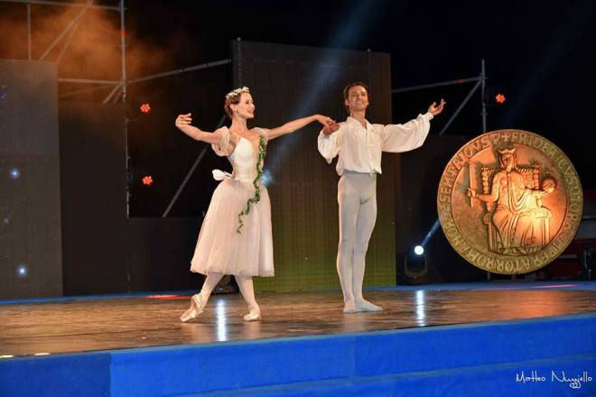 Nadja Saidakova e Dinu Tamazlacaru sul palco del XXV Premio Re Manfredi. © Ph. Matteo Nuzziello.