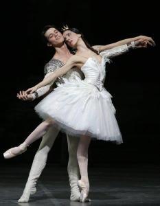 Vittoria Valerio e Claudio Coviello. © Ph. Brescia e Amisano - Teatro alla Scala.