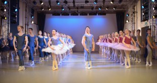 English National Ballet School cerca insegnanti!
