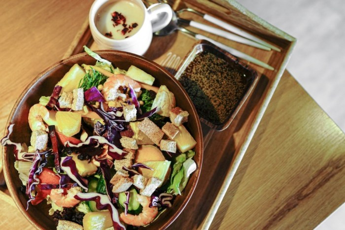 |花蓮美崙早午餐|沐森林Moon Forest-吃菜吃得盡興的超大碗木盆沙拉(已結束營業)