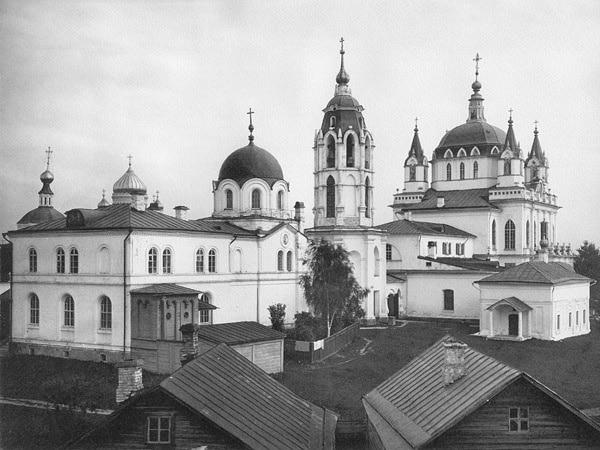 Монастырь в 1882 году с псевдоготическим собором