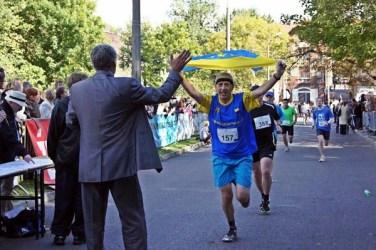 Meta IV półmaratonu bytomskiego 2012. Marek Zogornik