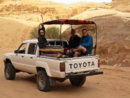 Takim Jeepem się poruszaliśmy po pustyni