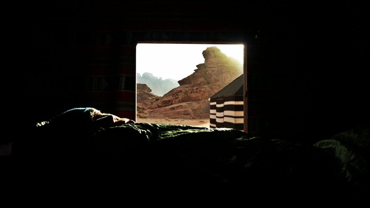 Poranek w namiocie