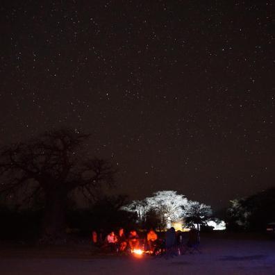 Wspaniałe gwiazdy i droga mleczna nad Kubu Island