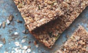 Gluteenittomat välipalapatukat kaurasta ja siemenistä