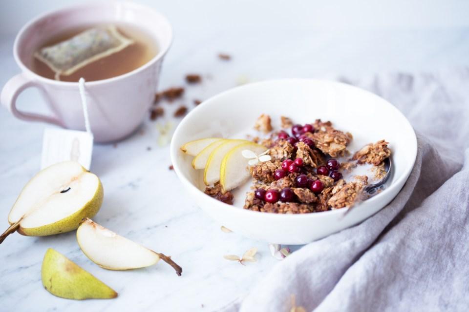 banana bread granola (gluten free)