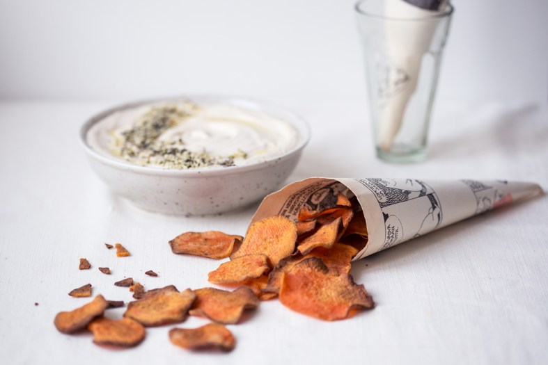 sweet potato chips w/ cashew tahini dip