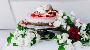 A Summer Classic: Raw Strawberry Cheesecake