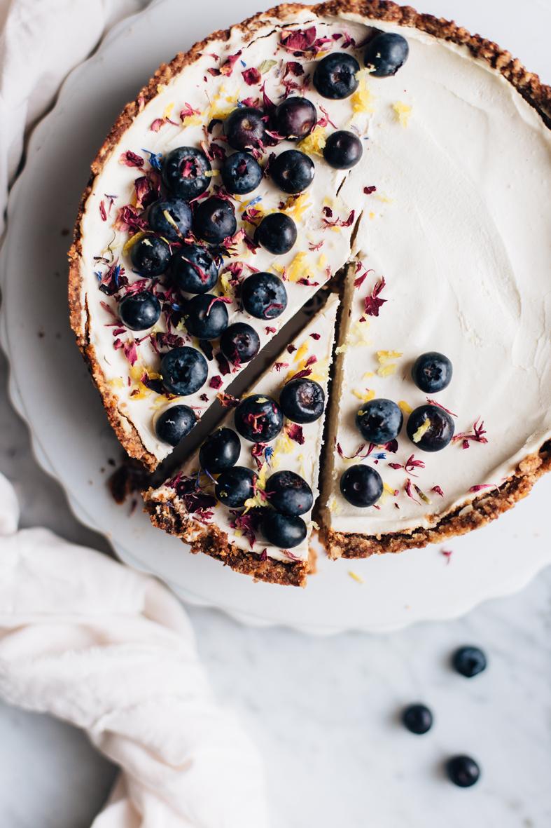 A Simply Divine Lemon Cake (GF + V)| tuulia blog