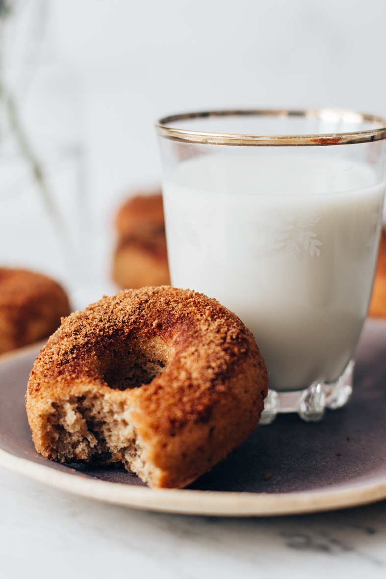 Healthier Oven Baked Donuts w/ Coconut Sugar (GF) | tuulia blog