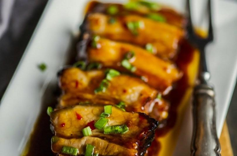Eriti hea seakülg magusas tšillikastmes Riisi restorani moel