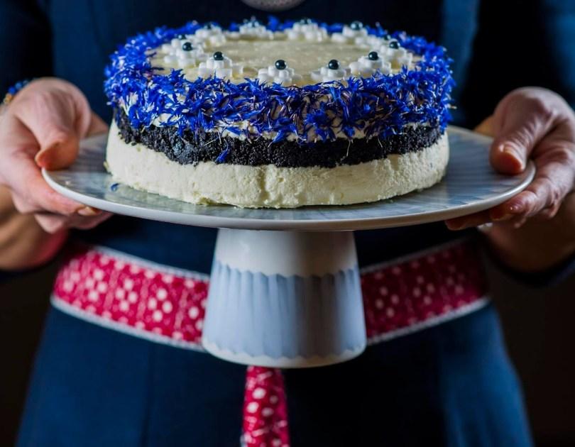 Sinimustvalge toorjuustutort vabaduse tähistamiseks