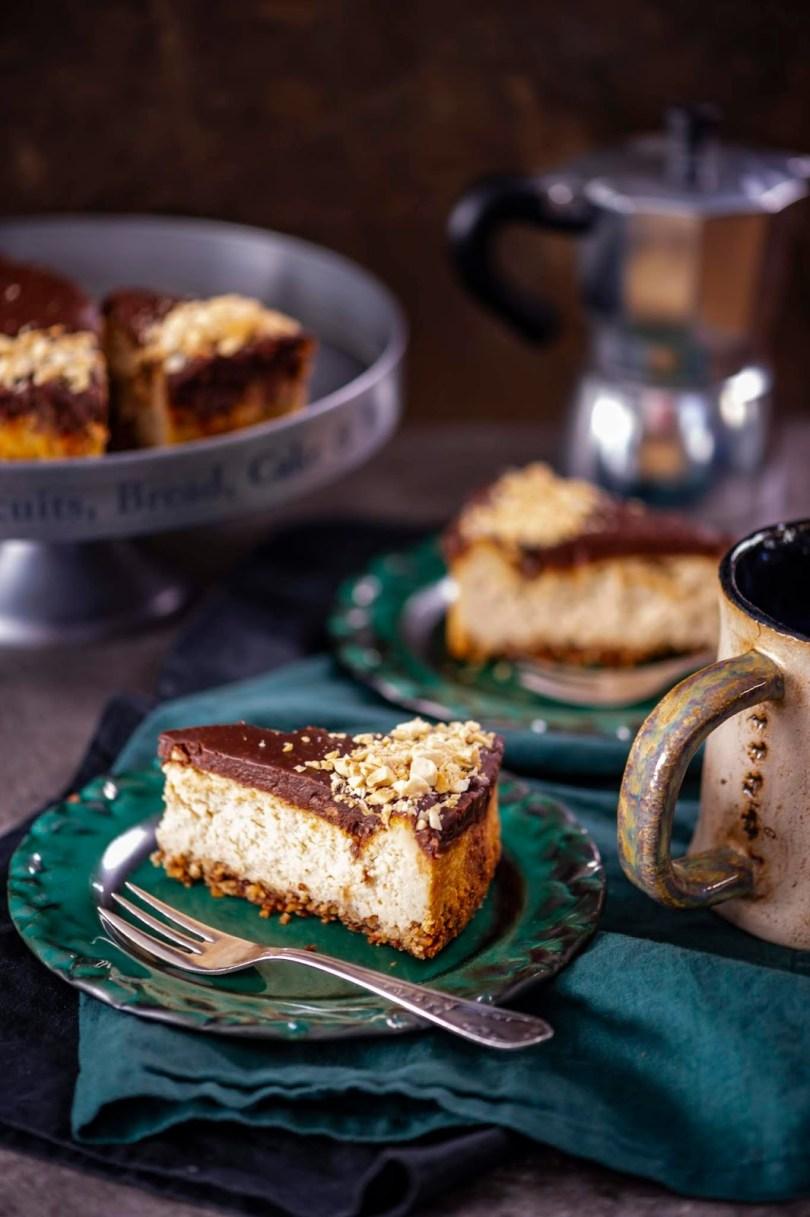 Šokolaadikattega cappuccino-toorjuustukook