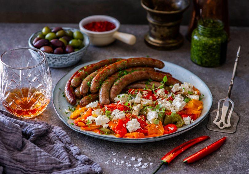 Grillitud paprika salat fetajuustuga. Seltsiks Oskari lamba toorvorstid